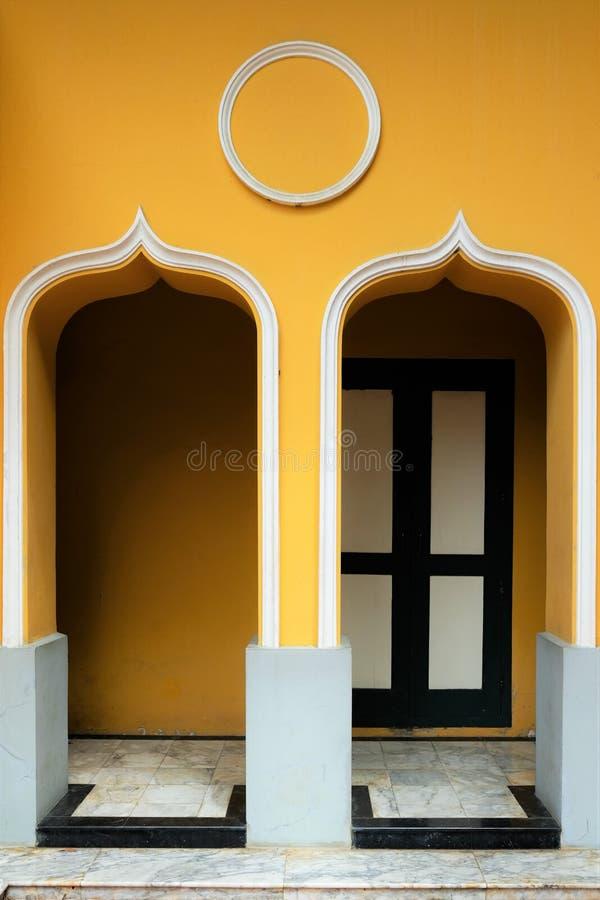 A porta asiática do estilo fotografia de stock