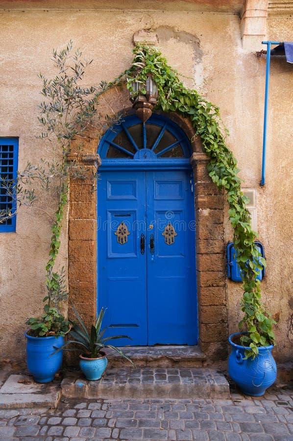 Porta azul bonita no EL-Jadida, Marrocos fotos de stock royalty free