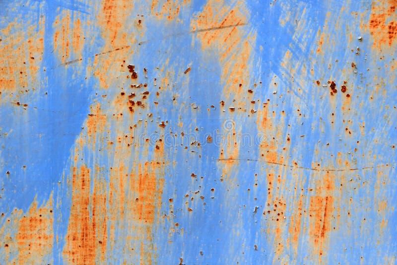 Porta azul do metal na oxidação imagens de stock