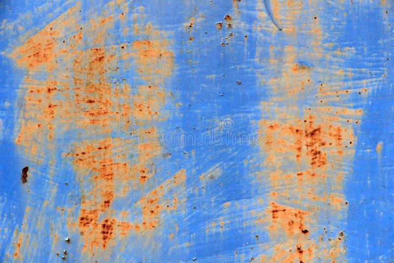 Porta azul do metal na oxidação foto de stock