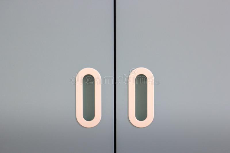 Download Porta Blu Con Due Maniglie, Primo Piano Di Colore Immagine Stock - Immagine di ottone, orizzontale: 117977873