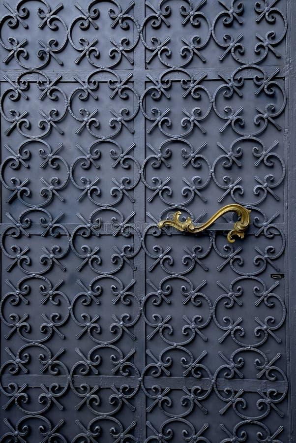 A porta bonita do ferro imagem de stock royalty free