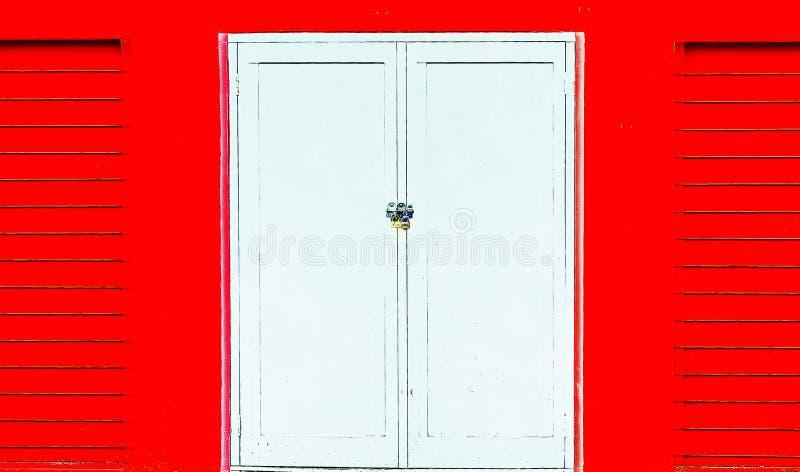 Porta branca ardida foto de stock