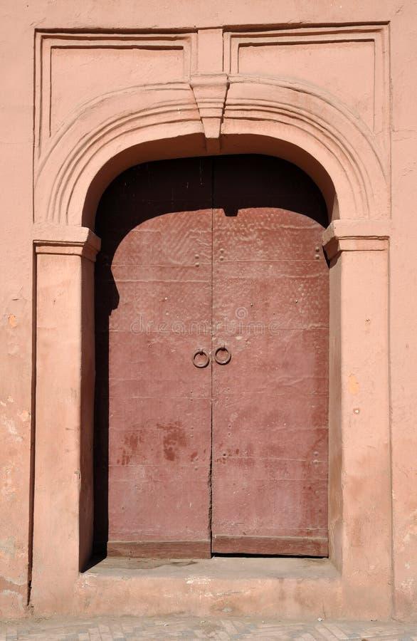 A porta chiusa a marrakesh fotografia stock immagine di for Porta chiusa
