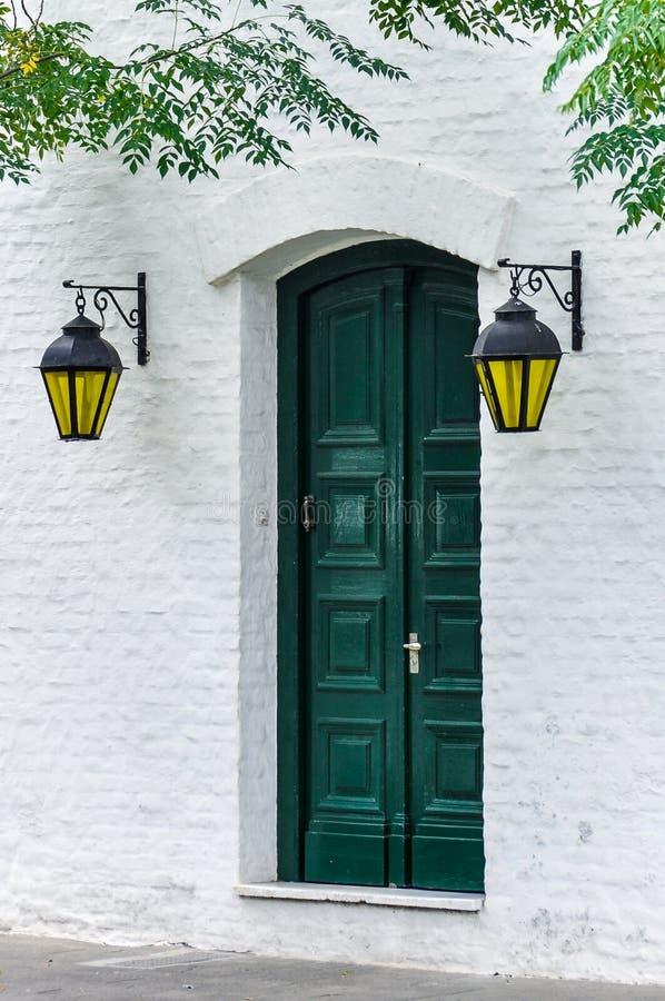 Porta con le lanterne, del Sacramento, Uruguay di Colonia fotografie stock libere da diritti