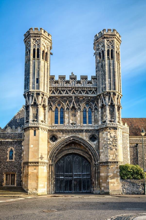 Porta da abadia de St Augustine em Canterbury, Inglaterra fotografia de stock royalty free