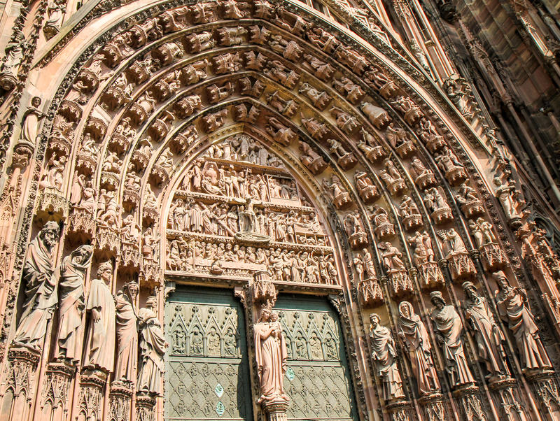 Porta da catedral de Strasbourg foto de stock royalty free