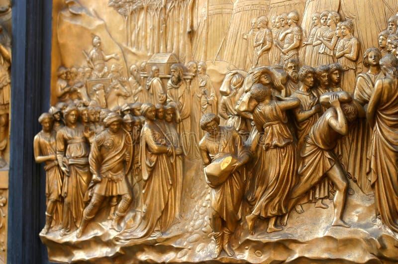 Porta da catedral em Florença fotografia de stock