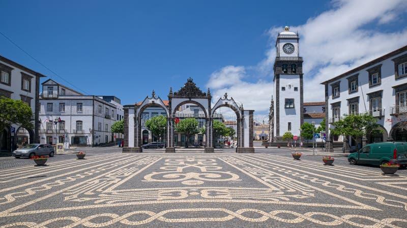 Porta da cidade de Ponta Delgada, ilha de Miguel do Sao, Açores, Portugal fotografia de stock royalty free