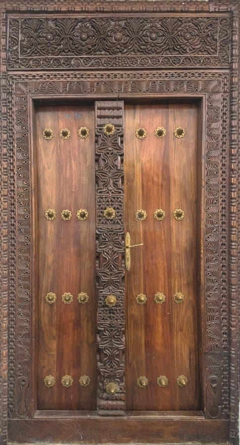 Porta da construção na cidade de pedra, Zanzibar foto de stock royalty free