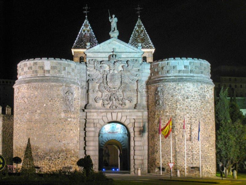 Porta da dobradiça de Toledo na noite fotos de stock royalty free