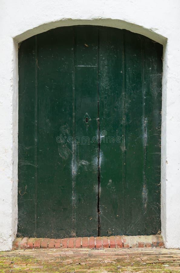 Porta da igreja em Baflo imagem de stock royalty free