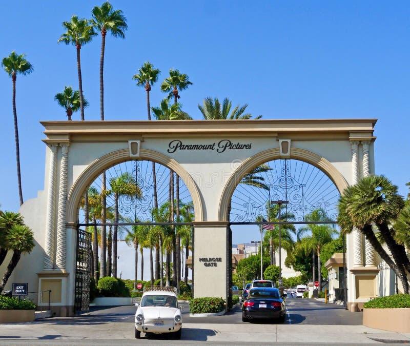 A porta da melrose em estúdios de Paramount como visto da avenida da melrose fotografia de stock