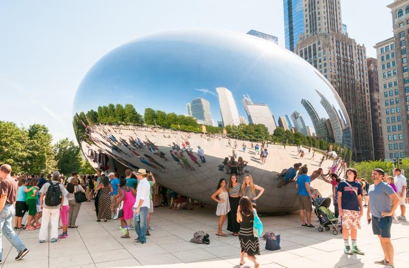 Porta da nuvem no parque do milênio de Chicago imagem de stock royalty free