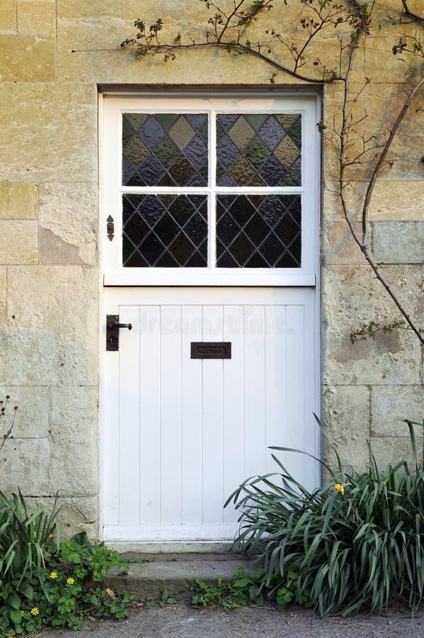 Porta da rua da casa de campo fotografia de stock