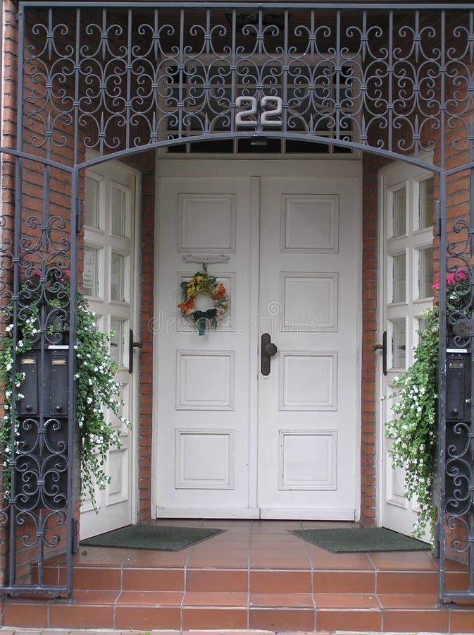 Porta da rua do outono imagem de stock royalty free