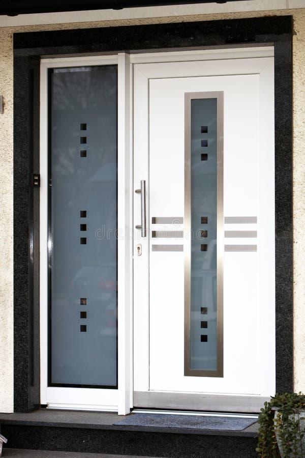 Porta da rua moderna foto de stock royalty free