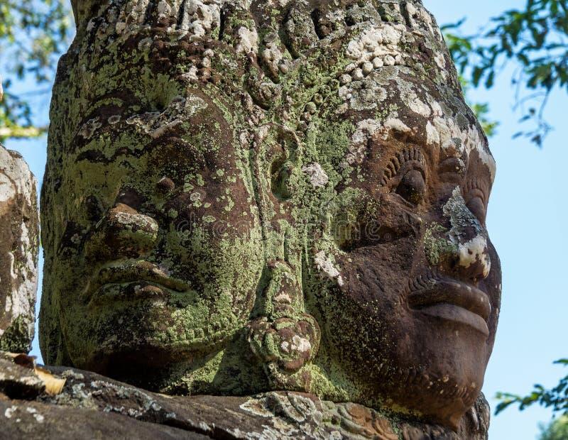 Porta da vit?ria de Angkor Thom em Siem Reap, Camboja imagens de stock