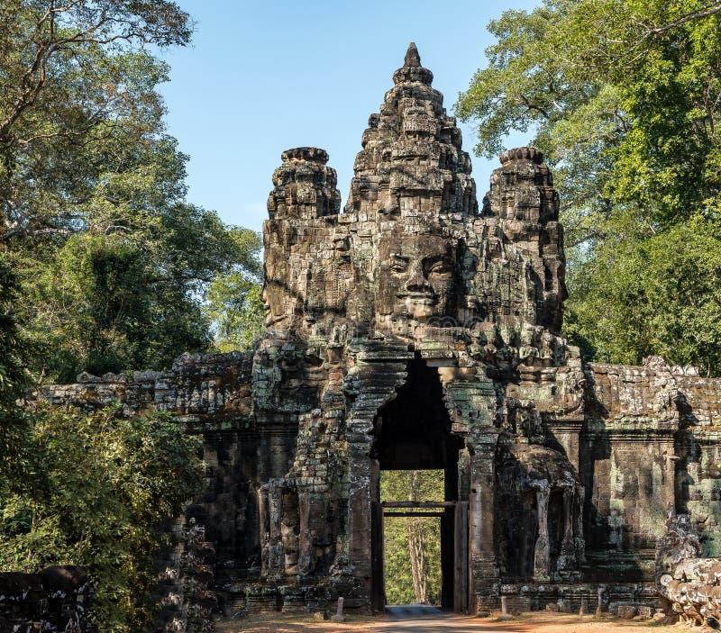 Porta da vit?ria de Angkor Thom em Siem Reap, Camboja fotografia de stock royalty free