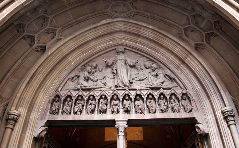 Porta de ascensão New York City da igreja da trindade de Christ fotos de stock