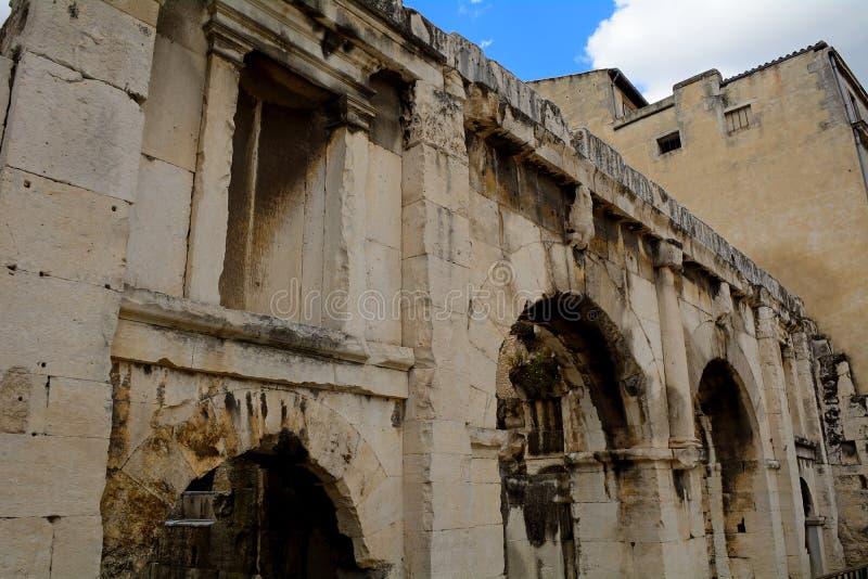 Porta de Augustus, Nimes, França fotografia de stock royalty free