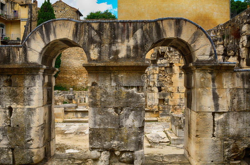 Porta de Augustus, Nimes, França fotos de stock