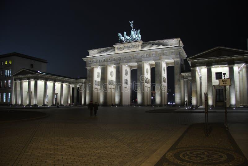 A porta de Brandebourg em Berlim imagem de stock