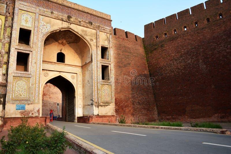 Porta de Burj do xá - forte de Lahore foto de stock