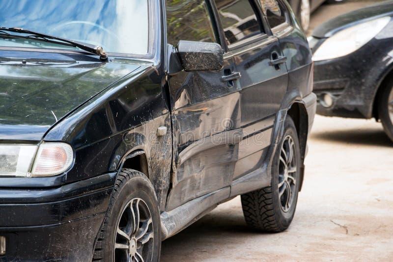 Porta de carro danificada fotografia de stock royalty free