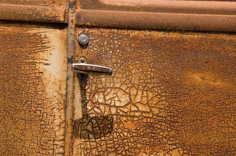 Porta de carro velha oxidada fotos de stock royalty free