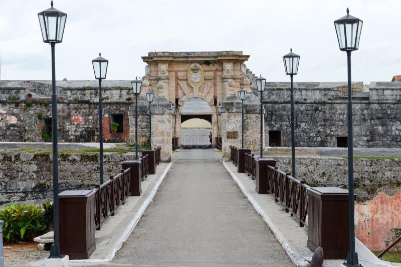 A porta de entrada da fortaleza da cabana do La em Havana fotografia de stock