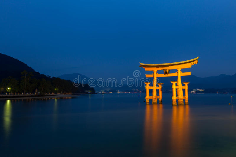 Porta de flutuação em Hiroshima, Japão imagens de stock