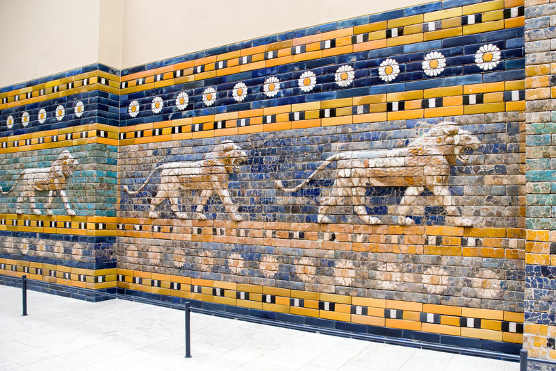 Porta de Ishtar de Babylon no museu de Pergamon, Berlim - Alemanha imagem de stock royalty free