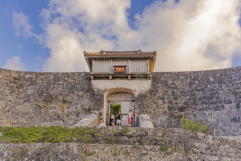 Porta de Kyukeimon do castelo de Shuri na vizinhan?a de Naha, a capital de Shuri de Okinawa Prefecture, Jap?o foto de stock