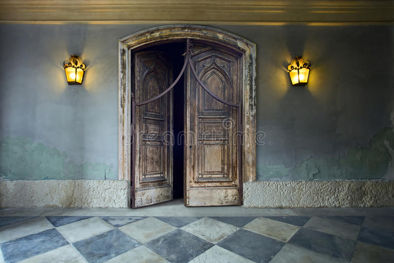 Porta de madeira. imagens de stock