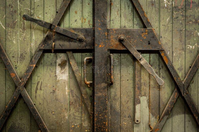 Porta de madeira industrial imagem de stock royalty free