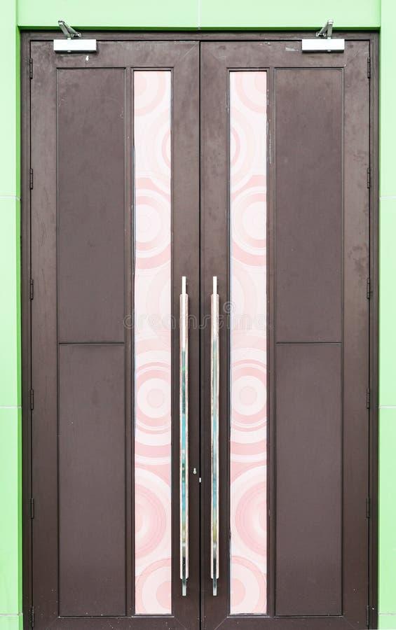 Porta de madeira moderna imagens de stock