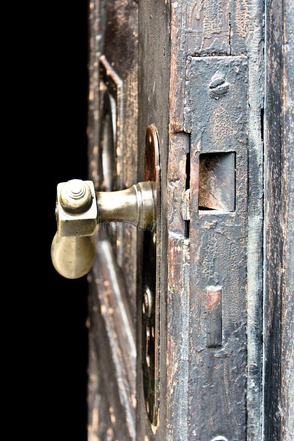 Porta de madeira velha que olha antiga fotografia de stock