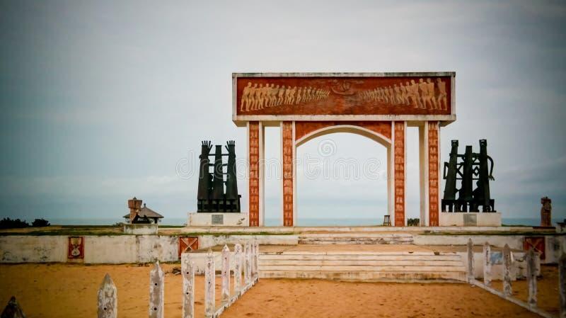 Porta de nenhum retorno, Ouidah do arco da arquitetura, Benin imagens de stock