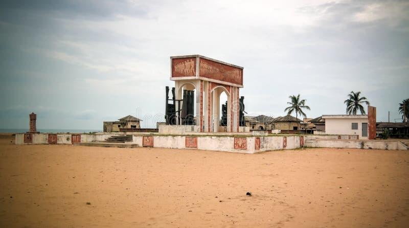 Porta de nenhum retorno, Ouidah do arco da arquitetura, Benin imagem de stock