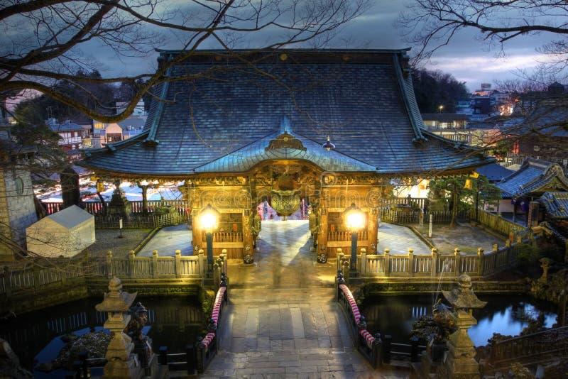 porta de NIO-segunda-feira em Narita-san Shinsho-ji, Japão imagens de stock royalty free