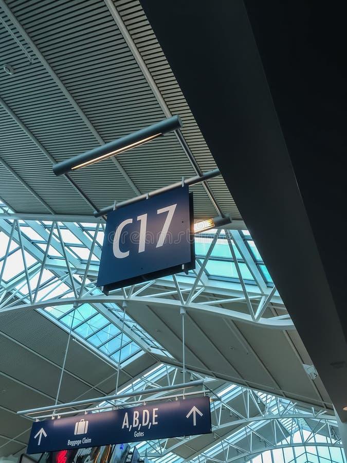 Porta de partida, aeroporto internacional de Portland fotos de stock