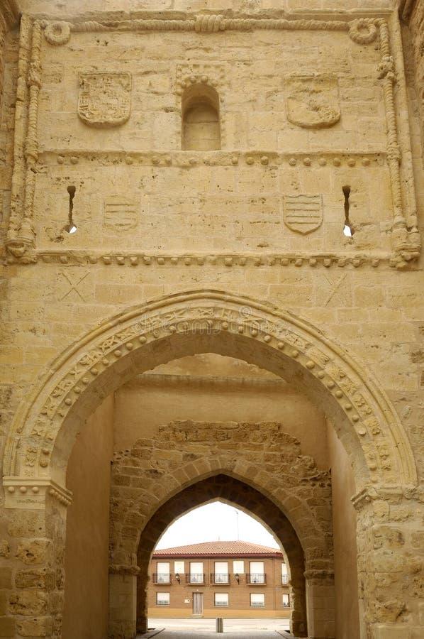 Porta de San Andres do detalhe, Villalpando, Zamora, imagem de stock
