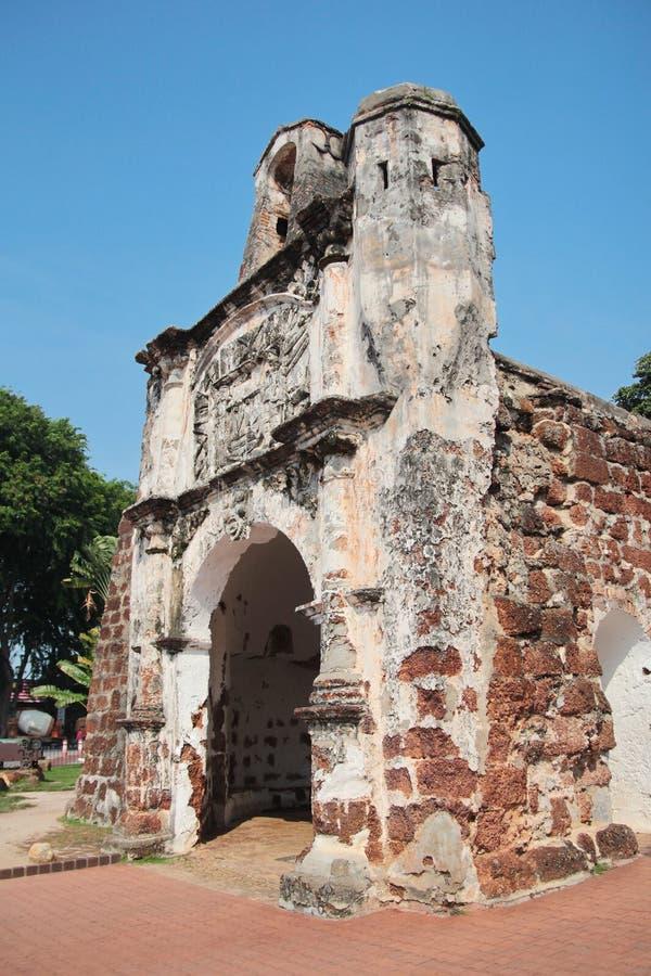Porta De Santiago, Teil der Ruinen des Famosa portugiesisch stockbilder