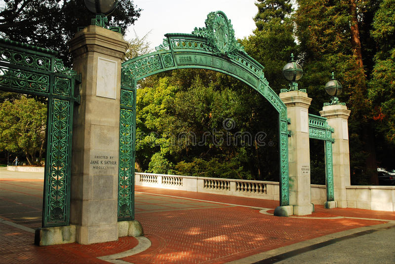 Porta de Sather, Cal Berkeley foto de stock royalty free