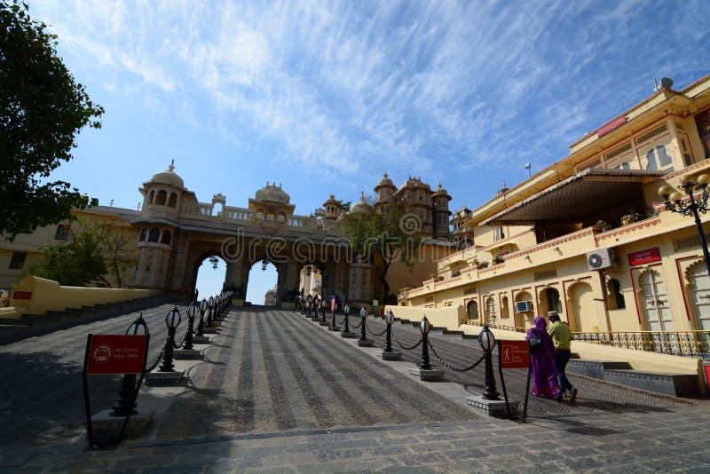Porta de Tripolia Cidade Palace Udaipur Rajasthan India foto de stock
