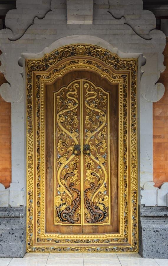 Porta decorada no templo de Gunung Kawi Sebatu, Ubud, Bali, Indonésia foto de stock royalty free