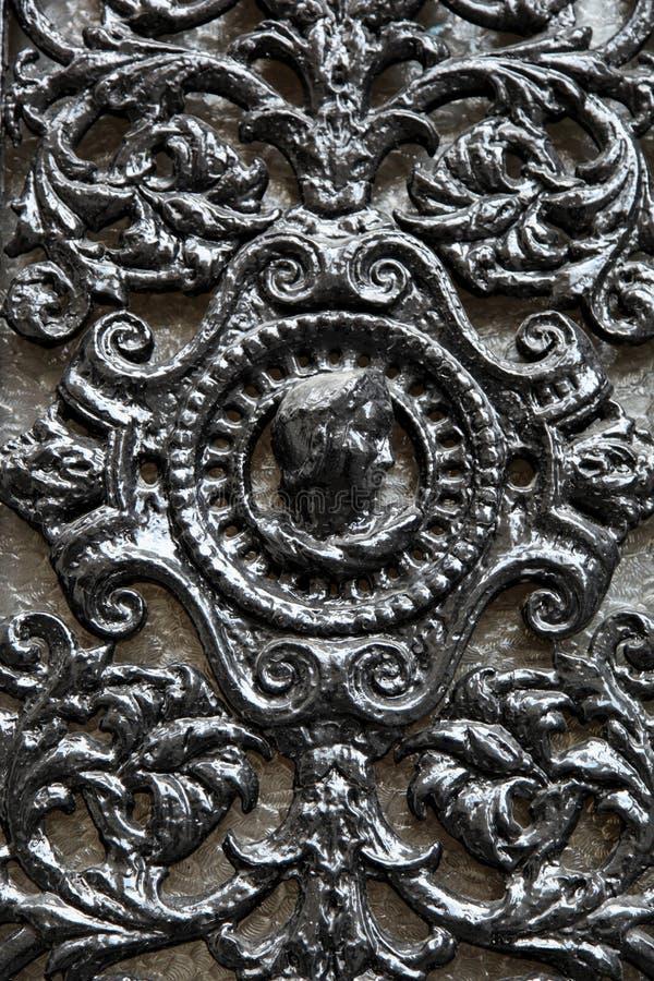 Porta decorativa do metal da janela com uma cara fotografia de stock royalty free