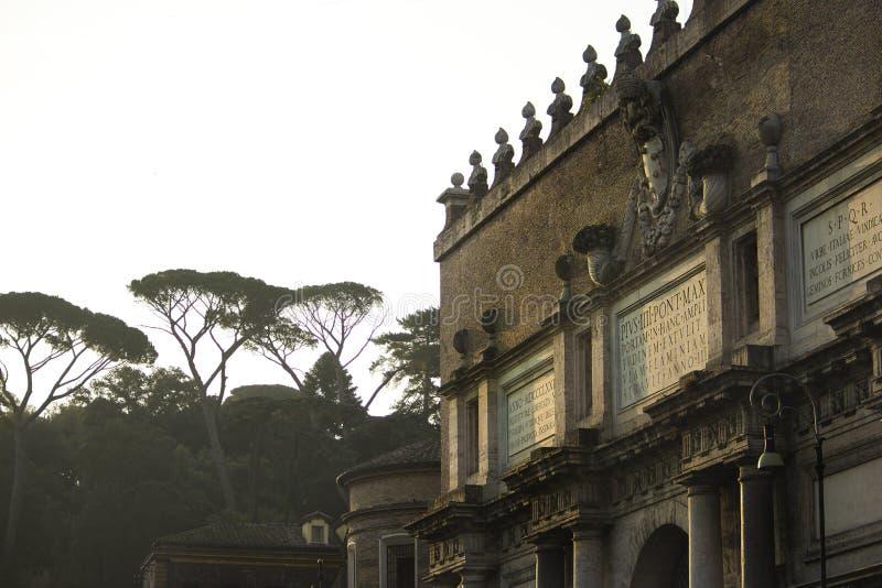 Porta del Popolo - Praça del Popolo - Roma fotos de stock royalty free