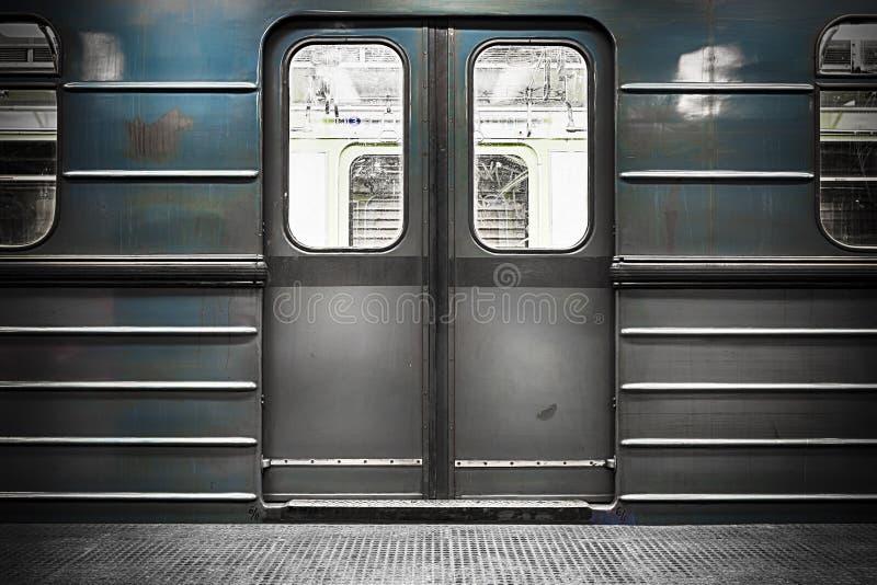 Porta del treno fotografia stock